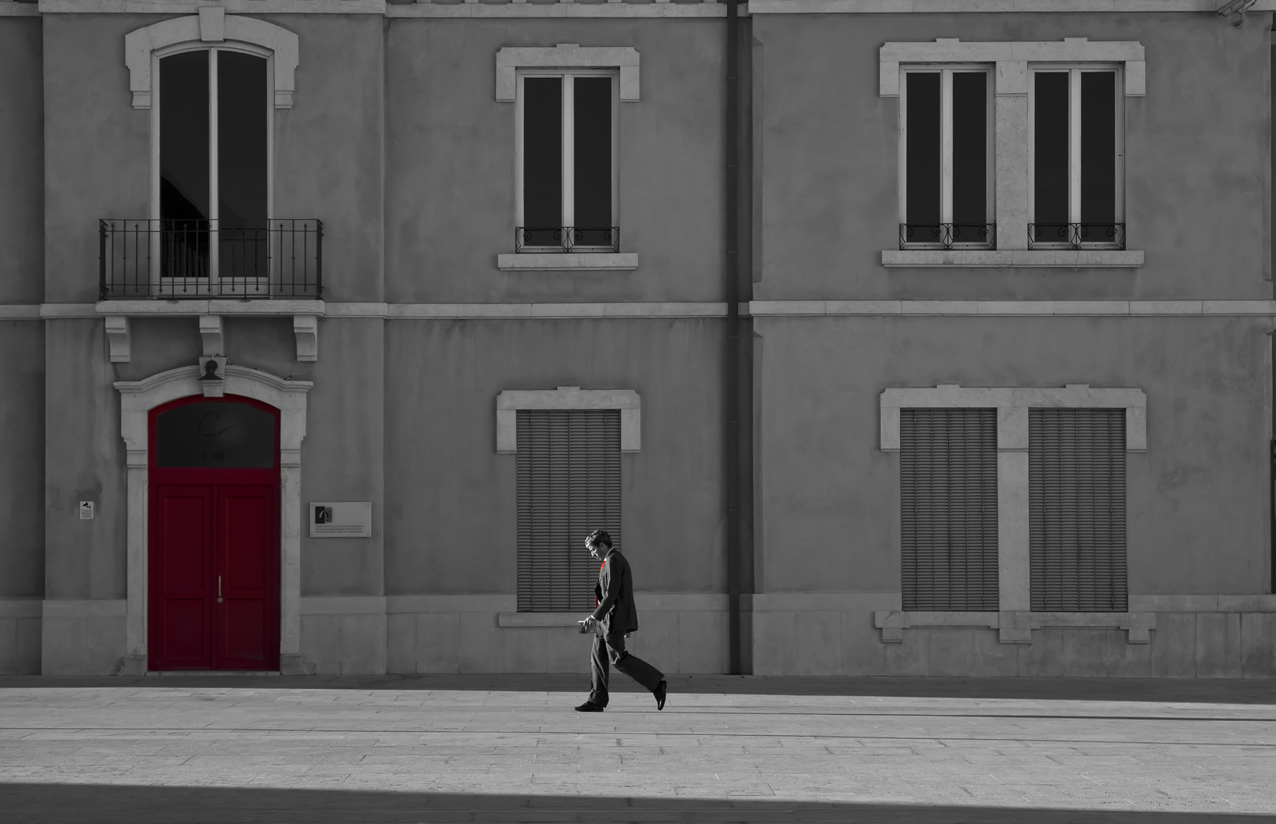 Streets of Lisbon Door & The Red Door - Streets of Lisbon Portugal - Framing the Street