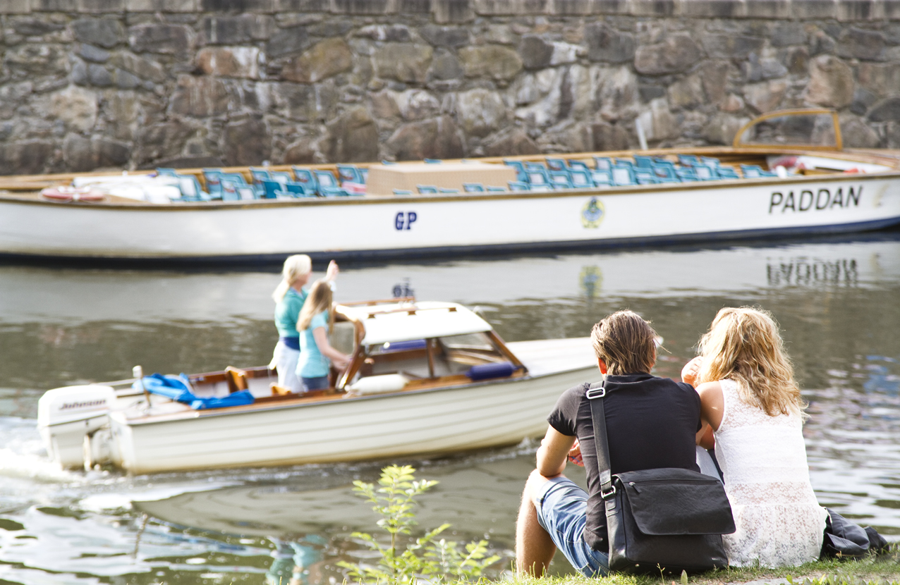 A couple enjoying the summer sun in the center of Gothenburg. Sweden